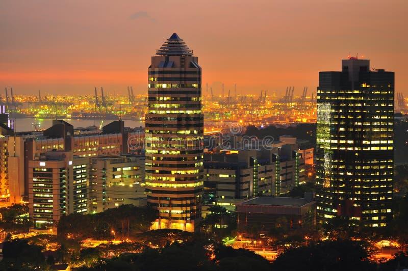 Paesaggio urbano di tramonto al ad ovest di Singapore fotografie stock
