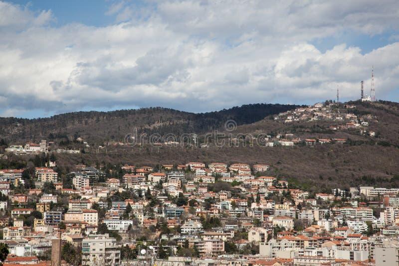 Paesaggio urbano di Trieste immagini stock libere da diritti