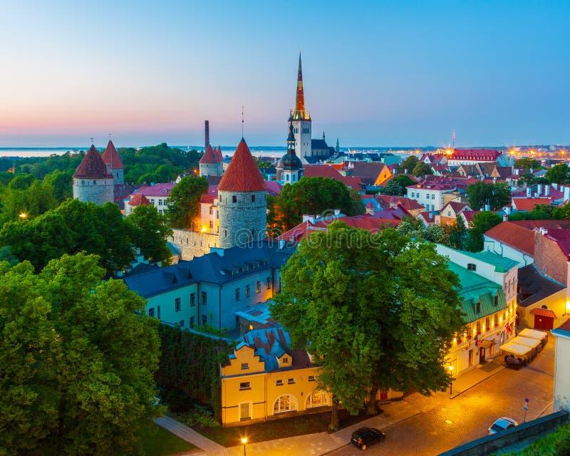 Paesaggio urbano di vecchia città Tallinn, Estonia immagini stock libere da diritti