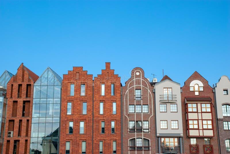 Paesaggio urbano di vecchia e nuova architettura della Polonia, di Danzica - immagine stock libera da diritti