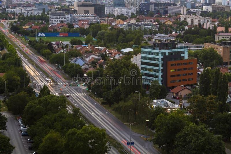 Paesaggio urbano di Zagabria al tramonto immagini stock