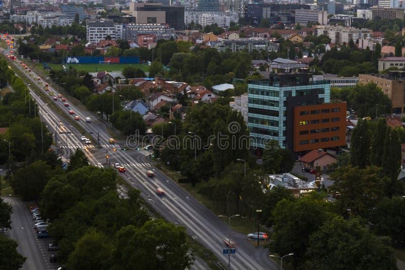 Paesaggio urbano di Zagabria al tramonto immagine stock