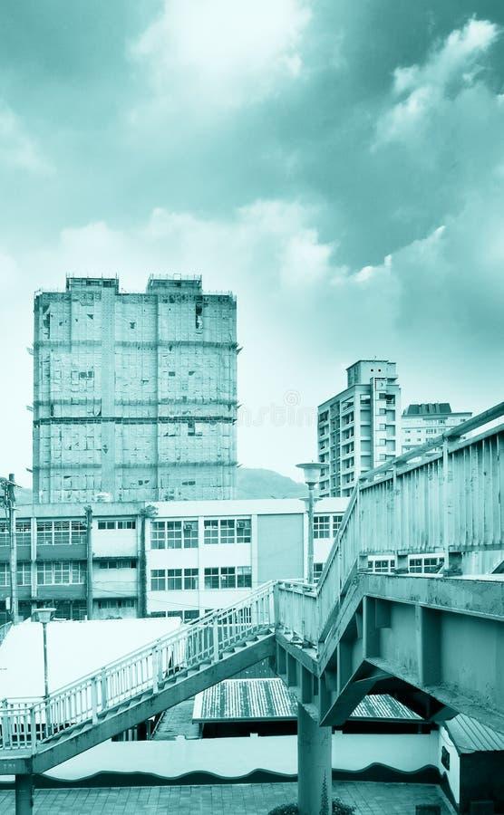 Paesaggio urbano - flyover ed appartamento immagini stock libere da diritti