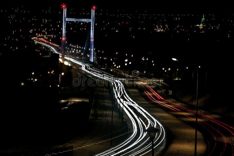 Paesaggio urbano nella sera fotografie stock