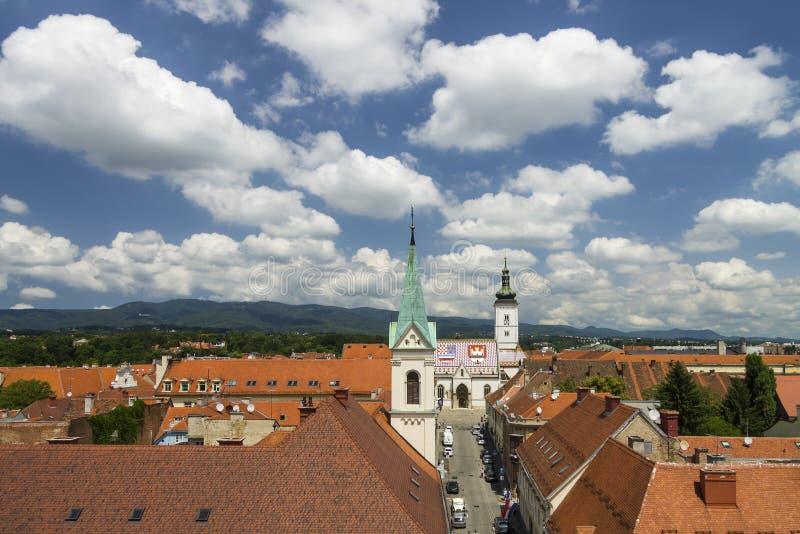 Paesaggio urbano superiore della città di Zagabria immagini stock libere da diritti