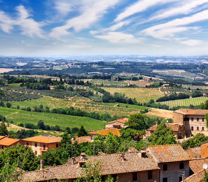 Paesaggio vicino alla città San Gimignano fotografia stock