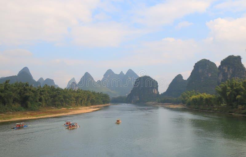 Paesaggio Yangshou Cina del fiume di Li della montagna di morfologia carsica immagini stock libere da diritti