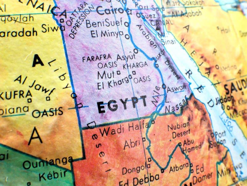 Paese colpo del fuoco dell'Egitto di macro sulla mappa del globo per i blog di viaggio, i media sociali, le insegne del sito Web  fotografie stock libere da diritti