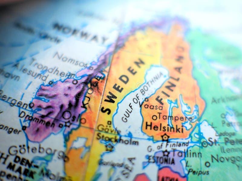 Paese colpo del fuoco della Svezia di macro sulla mappa del globo per i blog di viaggio, i media sociali, le insegne del sito Web fotografia stock