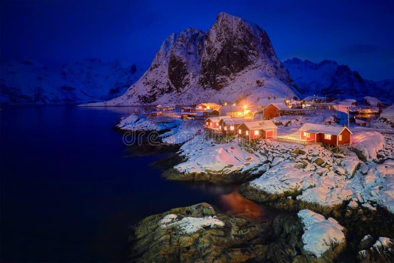 Paesino di pescatori di Hamnoy sulle isole di Lofoten, Norvegia fotografia stock