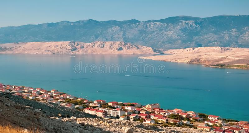 Pag海岛鸟瞰图 在克罗地亚海,达尔马提亚,克罗地亚的看法 库存图片