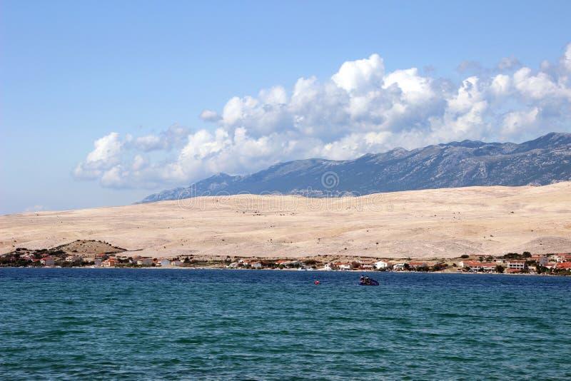 PAG, vue du SV Duh plage photographie stock libre de droits