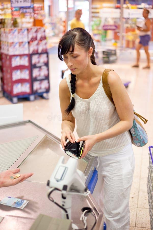Paga del supermercado imagen de archivo libre de regalías