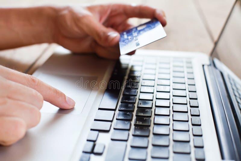 Paga en línea imagen de archivo libre de regalías