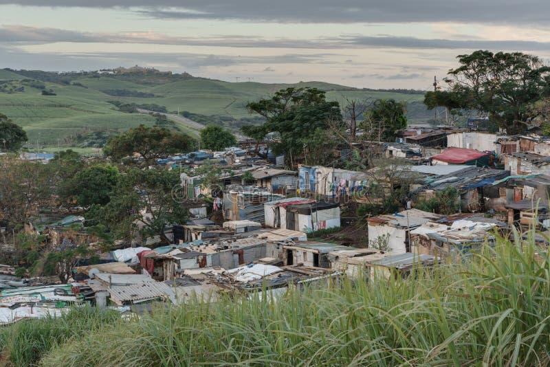 Pagamento informal sul de Afircan, moradores da barraca foto de stock