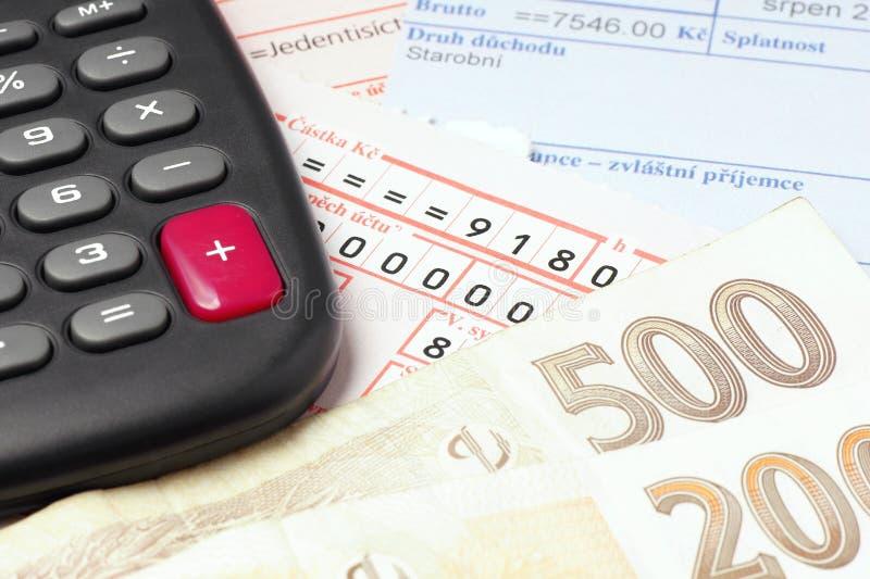 Pagando as contas. foto de stock royalty free