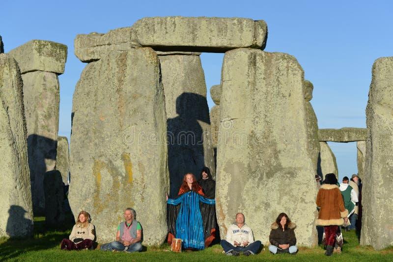 Pagansteken Autumn Equinox in Stonehenge stock foto
