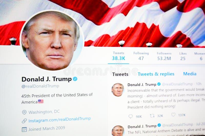Page officielle de Twitter de Donald J atout photo stock
