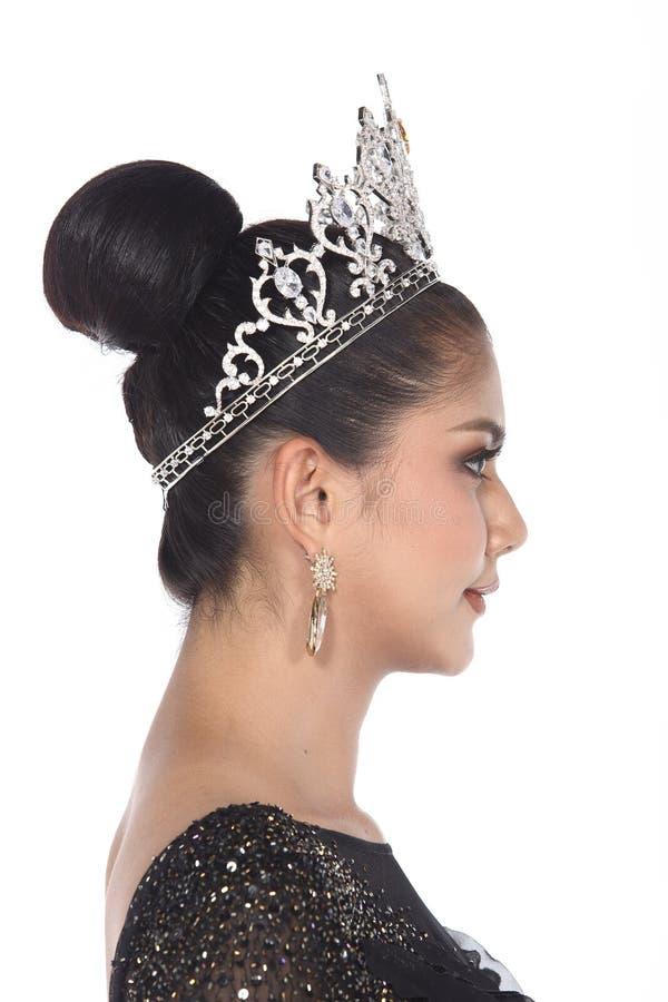 Pageant Contest小姐在晚上舞会礼服长的舞会礼服的与D 免版税库存照片