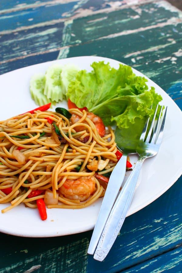 Paghetti mit Meeresfrüchten lizenzfreie stockbilder