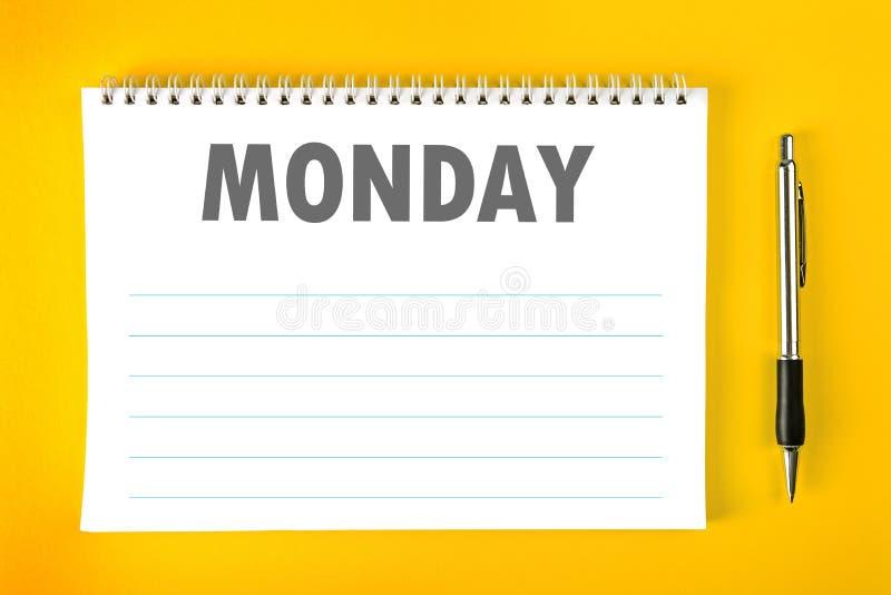Pagina in bianco di programma del calendario di lunedì immagine stock