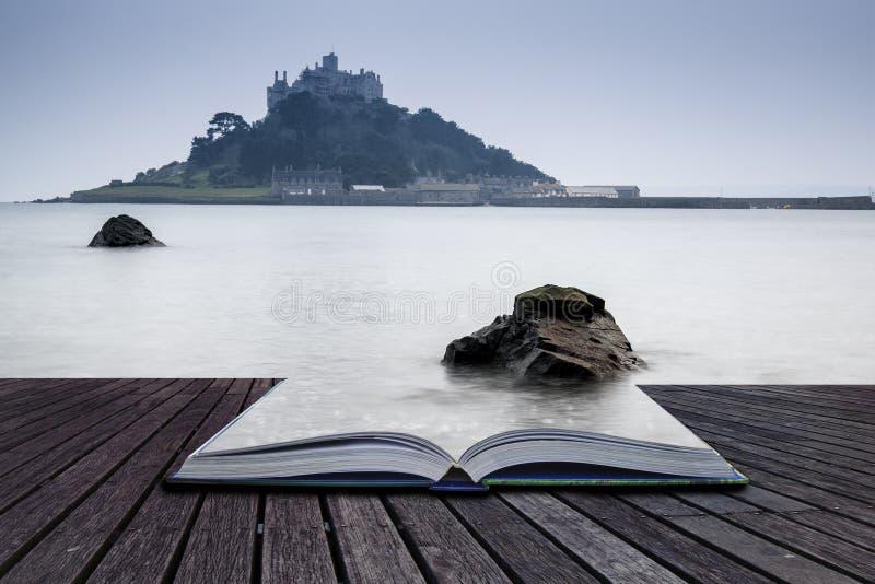 Pagine creative di concetto della baia Marazion l del supporto di St Michael del libro fotografia stock libera da diritti