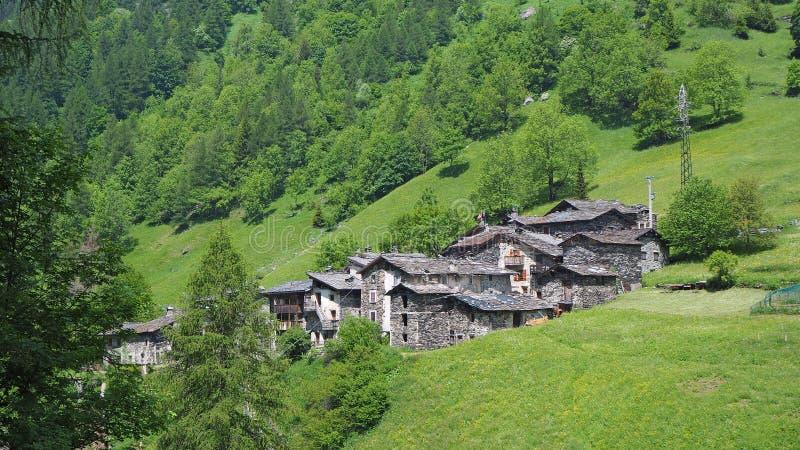 Pagliari старая деревня близко к Carona Бергамо, Orobie Альпы, Италия стоковые фотографии rf