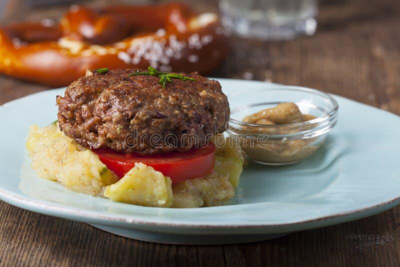 Pagnotta di carne bavarese fotografia stock libera da diritti