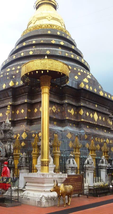 Pagod av templet i lampang, Thailand royaltyfri fotografi