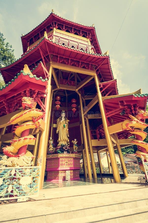 Pagod för kinesisk stil på Tiger Cave Temple krabi thailand arkivfoton