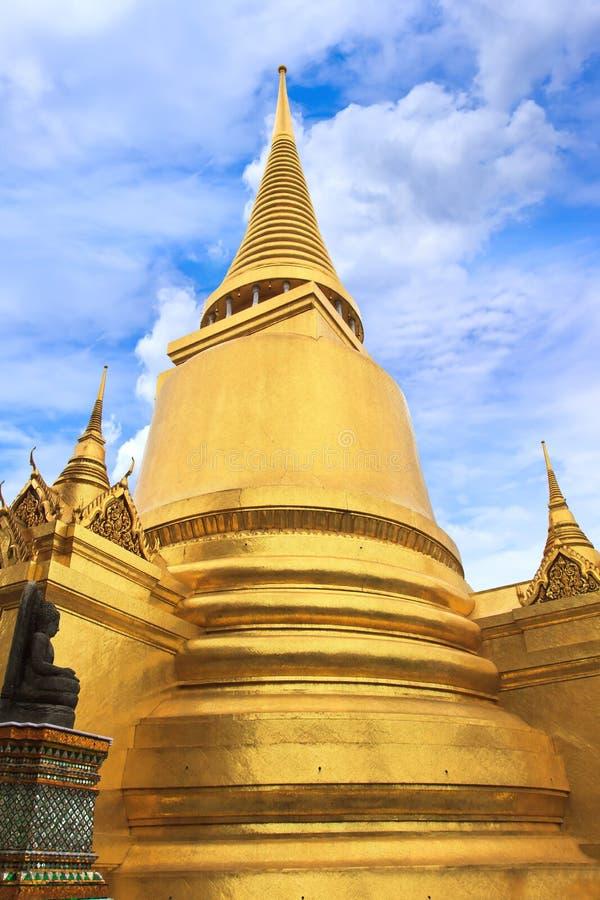 Pagod i Wat Phra Kaew arkivbild