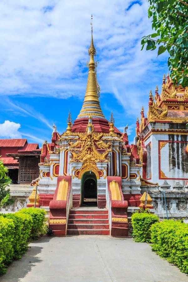 Pagod på Inle sjön, Myanmar royaltyfri fotografi
