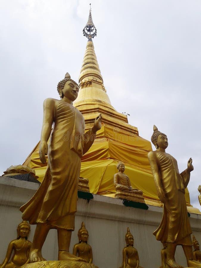 Pagoda antigua de oro fotos de archivo