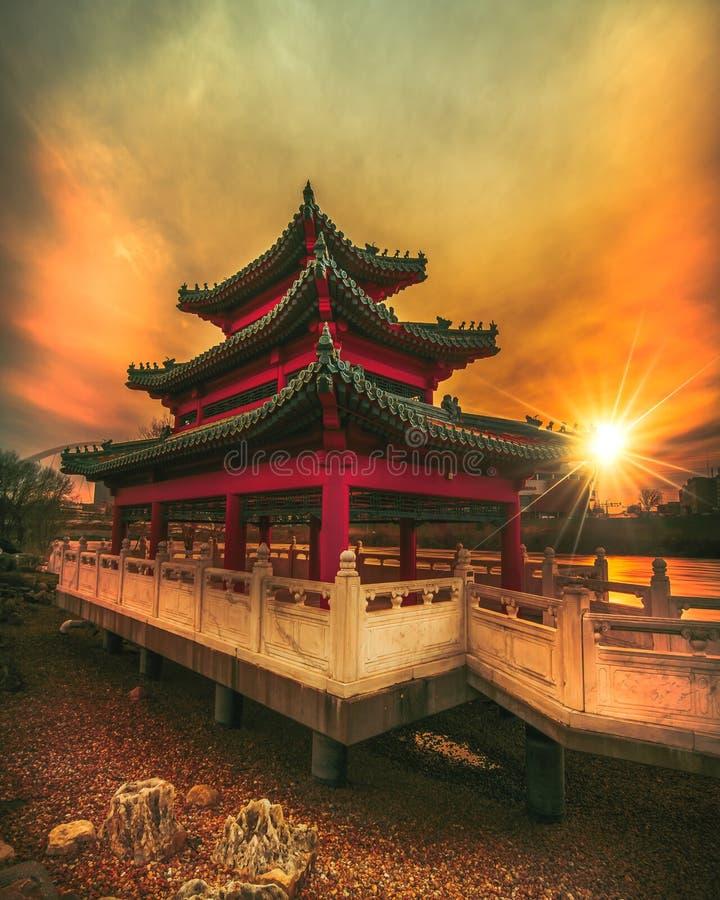 Pagoda au coucher du soleil photos stock