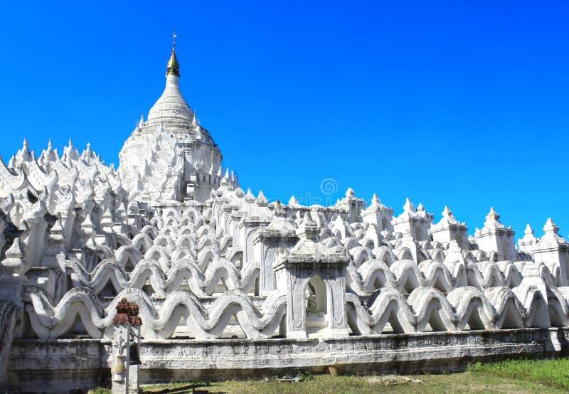 Pagoda blanca de Hsinbyume, Mingun, Myanmar Birmania imagenes de archivo