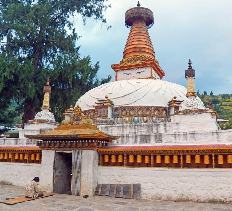Pagoda buddista del Bhutanese dentro il tempio in Paro, Bhutan immagini stock libere da diritti