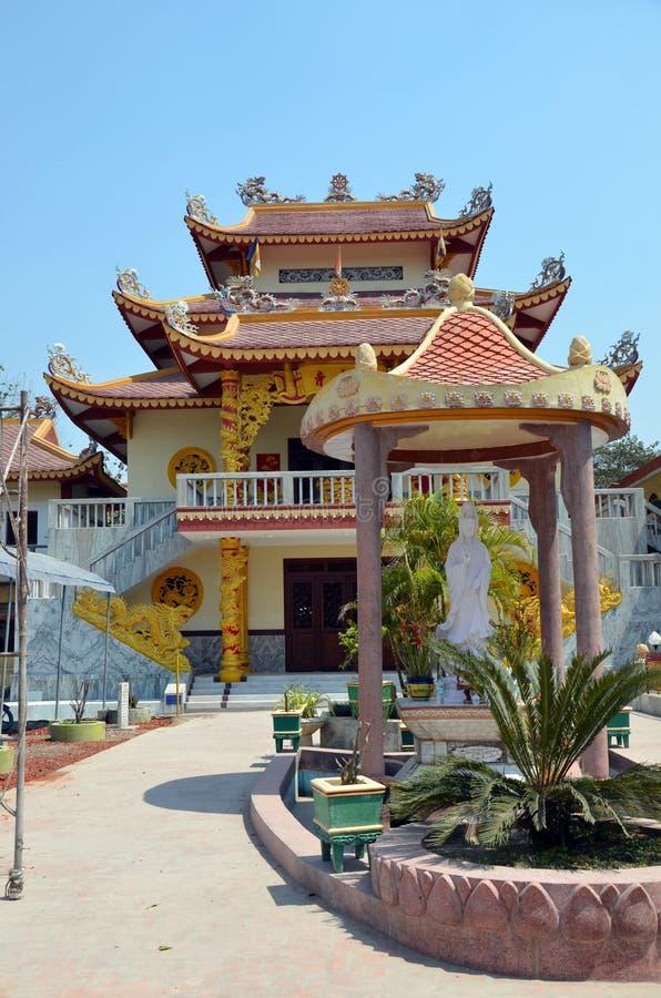 Pagoda budista en Kushinagar, la India imagenes de archivo
