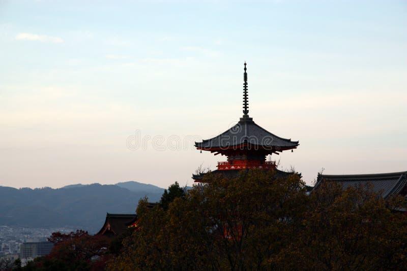 Pagoda che trascura Kyoto fotografia stock libera da diritti