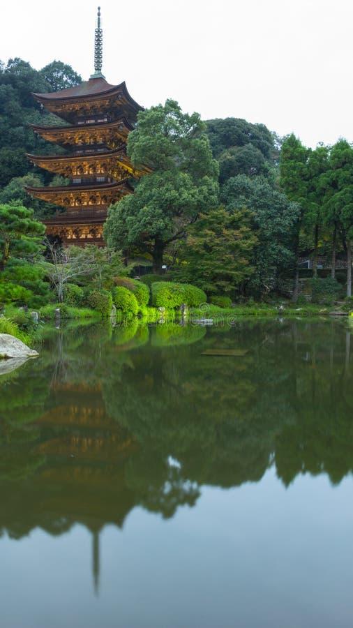 Pagoda& cinco-contado x29 do templo de Ruriko-ji; , Prefeitura de Yamaguchi fotografia de stock