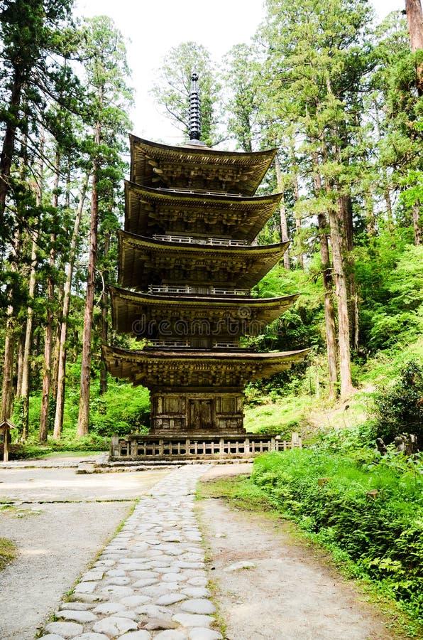 Pagoda cinq racontée dans le Mt Haguro, Yamagata, Japon images libres de droits
