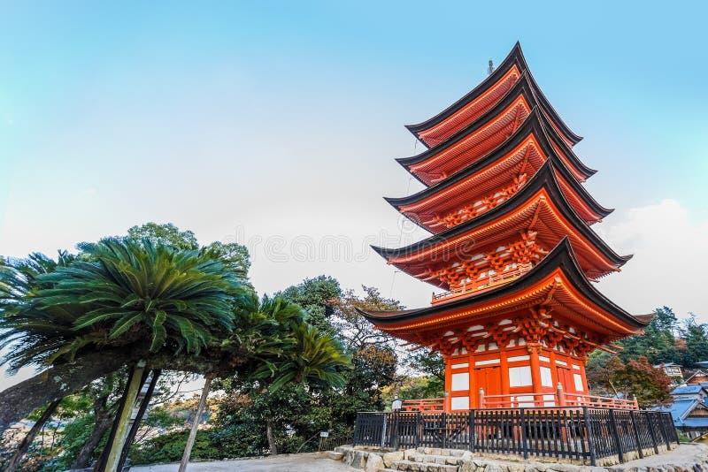 pagoda Cinque-leggendaria al santuario di Toyokuni a Miyajima fotografie stock libere da diritti