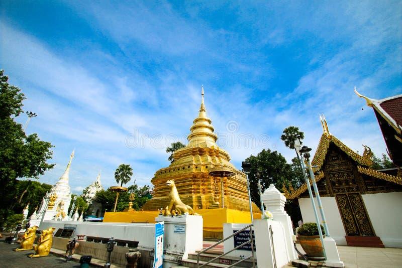 Download Pagoda D'or à La Lanière De Wat Phra That Sri Chom, Province De Chiangmai, Thaïlande Image stock - Image du opérations, inde: 76075463