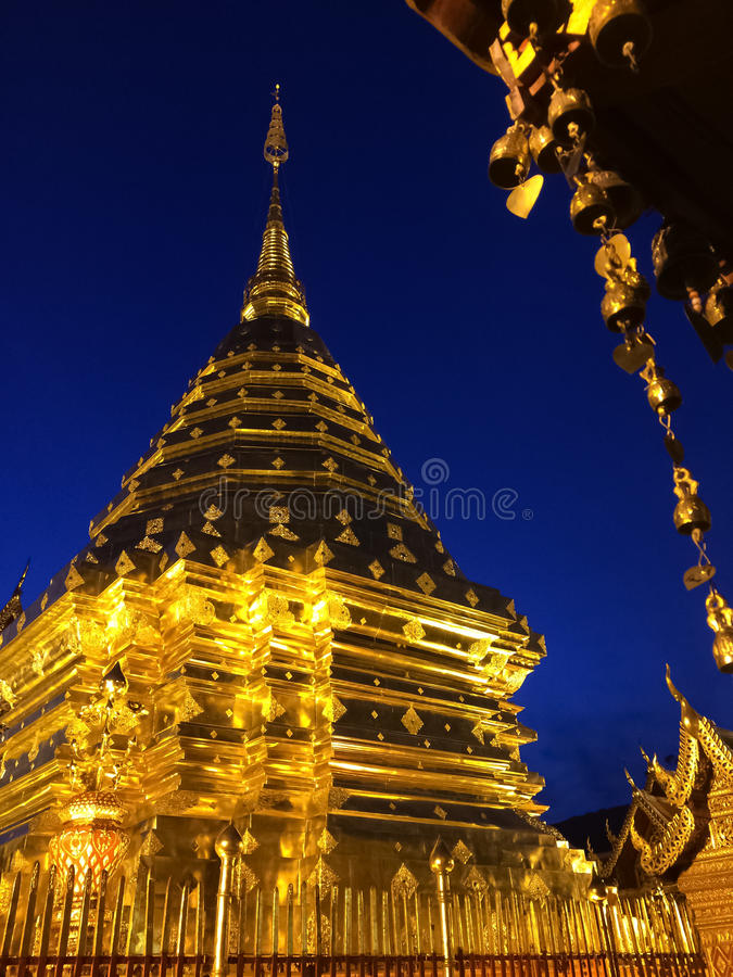 Pagoda d'or photographie stock