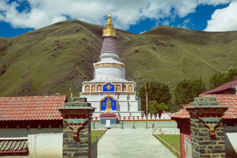 Pagoda de bouddhisme dans le temple de Tibetian, Chine photos stock
