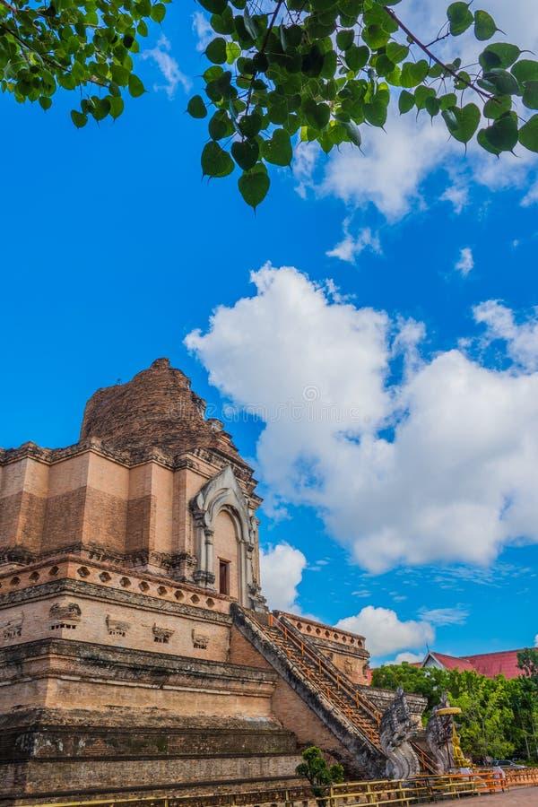 Download Pagoda De Buddist Au Wat Chedi Luang, Chiang Mai Photo stock - Image du asie, extérieur: 76089724