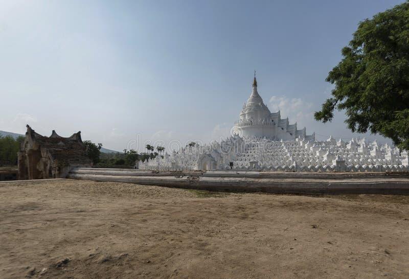 Pagoda de Hsinbyume, templo blanco al norte de Mingun, Mandalay, Myanma fotos de archivo libres de regalías