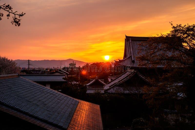Pagoda de Japón en la puesta del sol foto de archivo