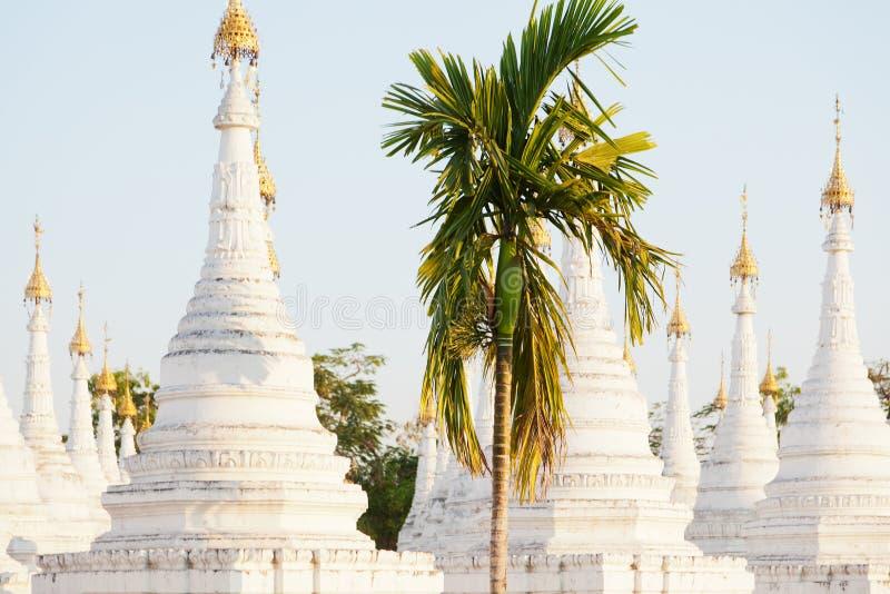 Pagoda de Kuthodaw, Myanmar photo stock
