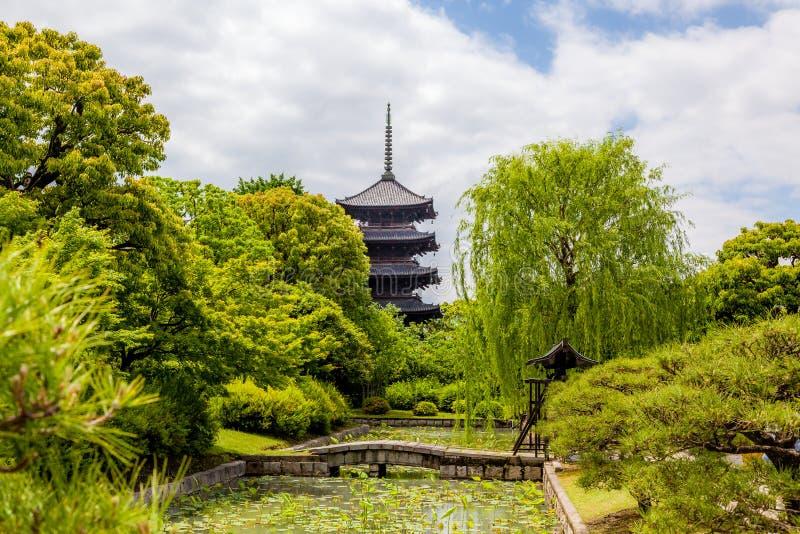 pagoda de la Cinco-historia -ji al templo en Kyoto imagenes de archivo