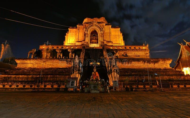 Download Pagoda de oro imagen de archivo. Imagen de histórico - 64202139